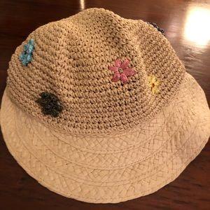 2 August Cloche Crusher Beach hats - OS